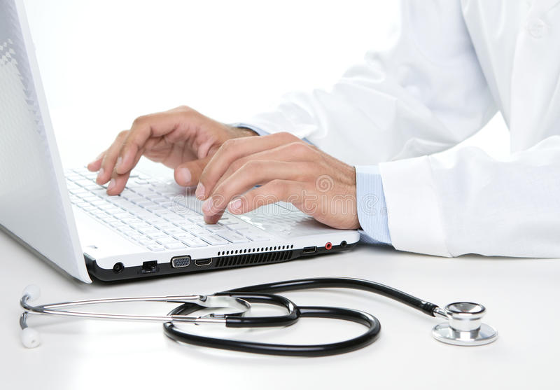 Γιατρός στην εργασία στοκ εικόνες με δικαίωμα ελεύθερης χρήσης