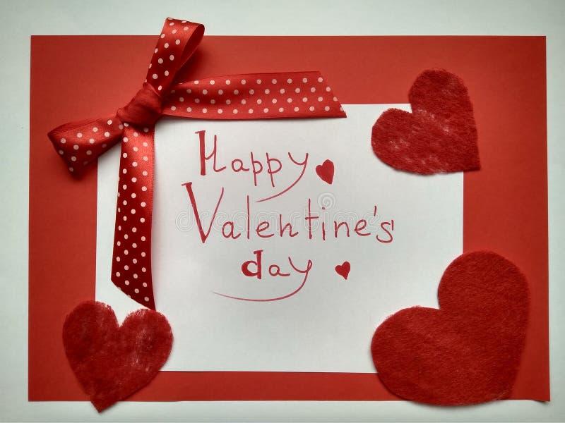 Για την ημέρα και τις καρδιές του ευτυχούς βαλεντίνου επιγραφής ημέρας του βαλεντίνου στοκ φωτογραφίες με δικαίωμα ελεύθερης χρήσης
