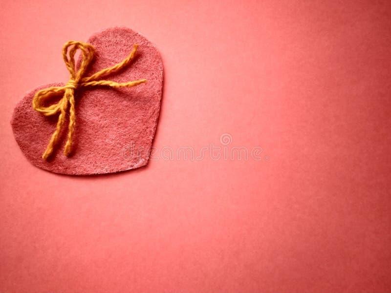 Για την ημέρα και τις καρδιές του ευτυχούς βαλεντίνου επιγραφής ημέρας του βαλεντίνου στοκ εικόνα με δικαίωμα ελεύθερης χρήσης