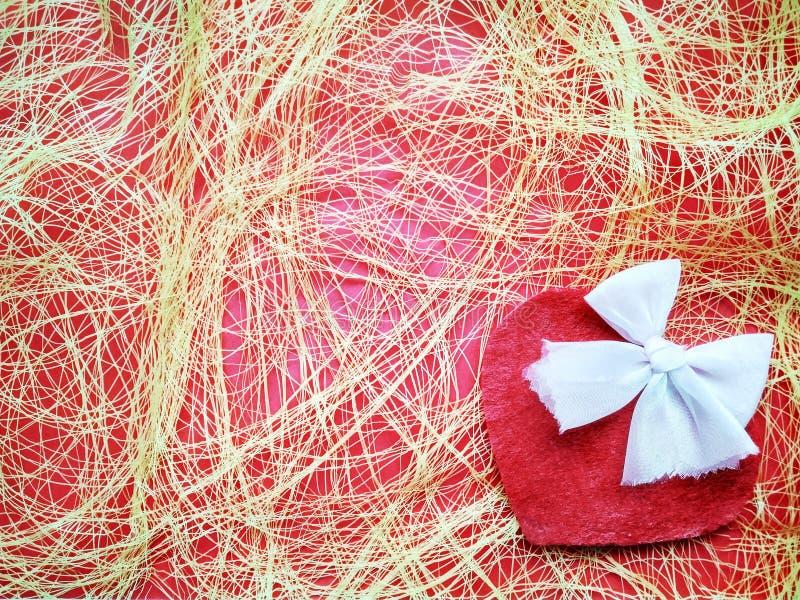 Για την ημέρα και τις καρδιές του ευτυχούς βαλεντίνου επιγραφής ημέρας του βαλεντίνου στοκ φωτογραφίες