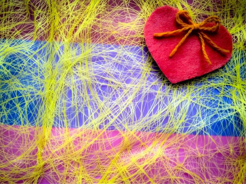 Για την ημέρα και τις καρδιές του ευτυχούς βαλεντίνου επιγραφής ημέρας του βαλεντίνου στοκ εικόνες με δικαίωμα ελεύθερης χρήσης