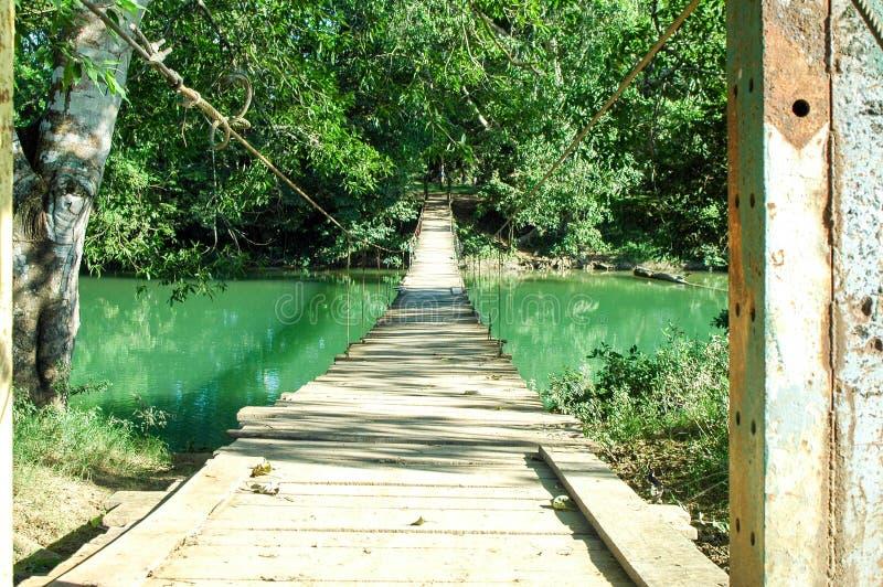 Για τους πεζούς γέφυρα στοκ εικόνα με δικαίωμα ελεύθερης χρήσης