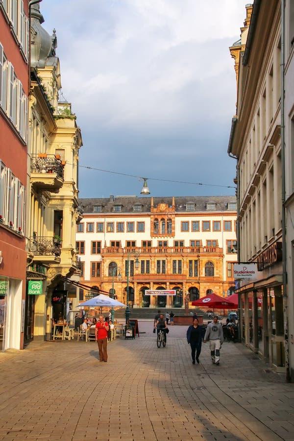 Για τους πεζούς οδός Marktstrasse στο ιστορικό πόλης κέντρο Wiesba στοκ εικόνα