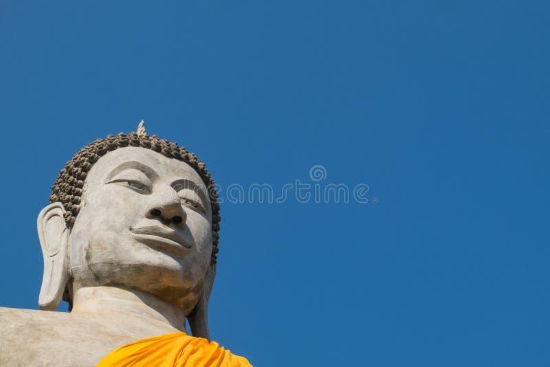 Γιγαντιαίο άγαλμα του Βούδα σε Wat Yai Chai Mongkhon, η ιστορική ισοτιμία στοκ φωτογραφίες