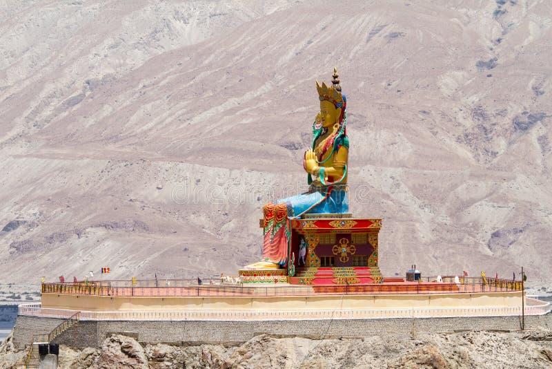 Γιγαντιαίο άγαλμα του Βούδα Maitreya στην κοιλάδα Nubra στοκ εικόνες