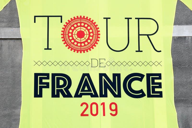 Γιγαντιαίο κίτρινο Τζέρσεϋ του γύρου de Γαλλία 2019 σε έναν τοίχο στοκ εικόνα με δικαίωμα ελεύθερης χρήσης