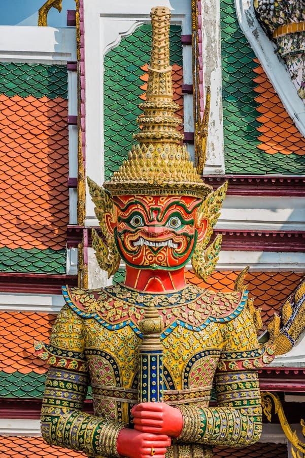 Γιγαντιαίο μεγάλο παλάτι Μπανγκόκ Ταϊλάνδη Atsakanmala yaksha δαιμόνων στοκ εικόνες