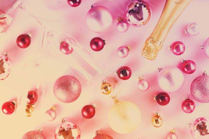 Γιορτή Χριστουγέννων με τη σαμπάνια στοκ εικόνα με δικαίωμα ελεύθερης χρήσης