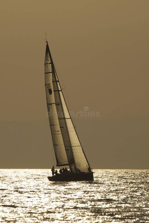 γιοτ θάλασσας βραδιού στοκ εικόνα με δικαίωμα ελεύθερης χρήσης
