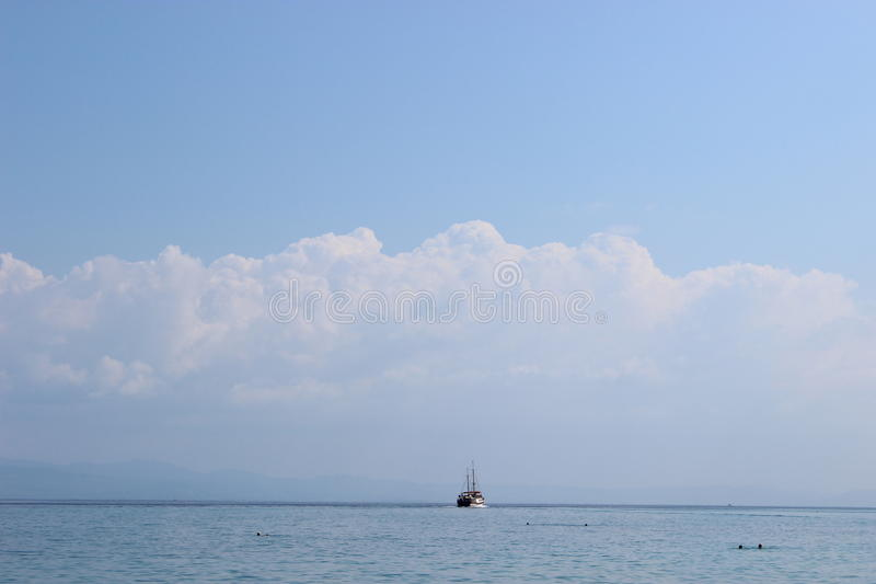 Γιοτ στη θάλασσα στοκ φωτογραφίες με δικαίωμα ελεύθερης χρήσης