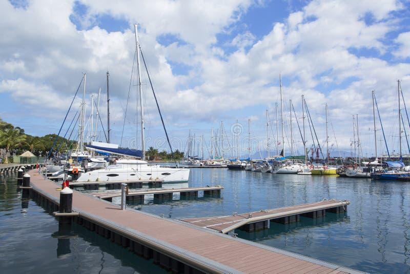 Γιοτ στο λιμάνι, Pape'ete, Ταϊτή, γαλλική Πολυνησία στοκ φωτογραφία