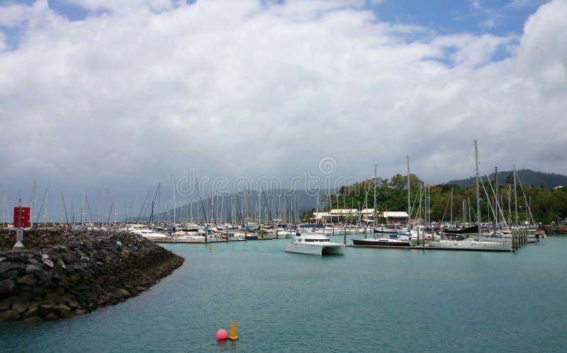 Γιοτ στο νησί, ωκεανός στοκ φωτογραφία με δικαίωμα ελεύθερης χρήσης