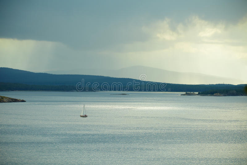 Download γιοτ στοκ εικόνα. εικόνα από ωκεανός, ουρανός, θάλασσα - 17053999