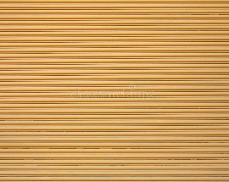 γκαράζ πορτών κίτρινο στοκ φωτογραφίες με δικαίωμα ελεύθερης χρήσης