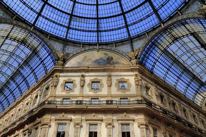 Γκαλερί τέχνης αγορών στο Μιλάνο Galleria Vittorio Emanuele ΙΙ στοκ φωτογραφίες με δικαίωμα ελεύθερης χρήσης