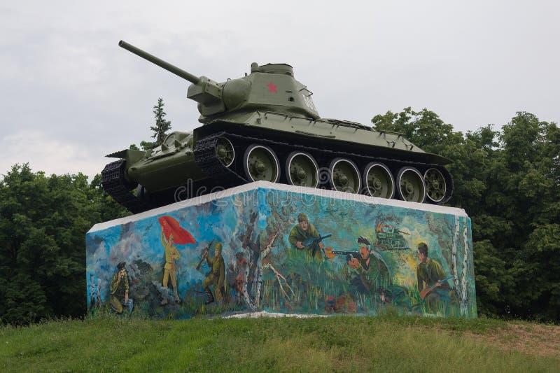 Γκορλόβκα, Ουκρανία - 25 Μαΐου 2019: Σοβιετική δεξαμενή του δεύτερου παγκόσμιου πολέμου σε ένα βάθρο στοκ εικόνες