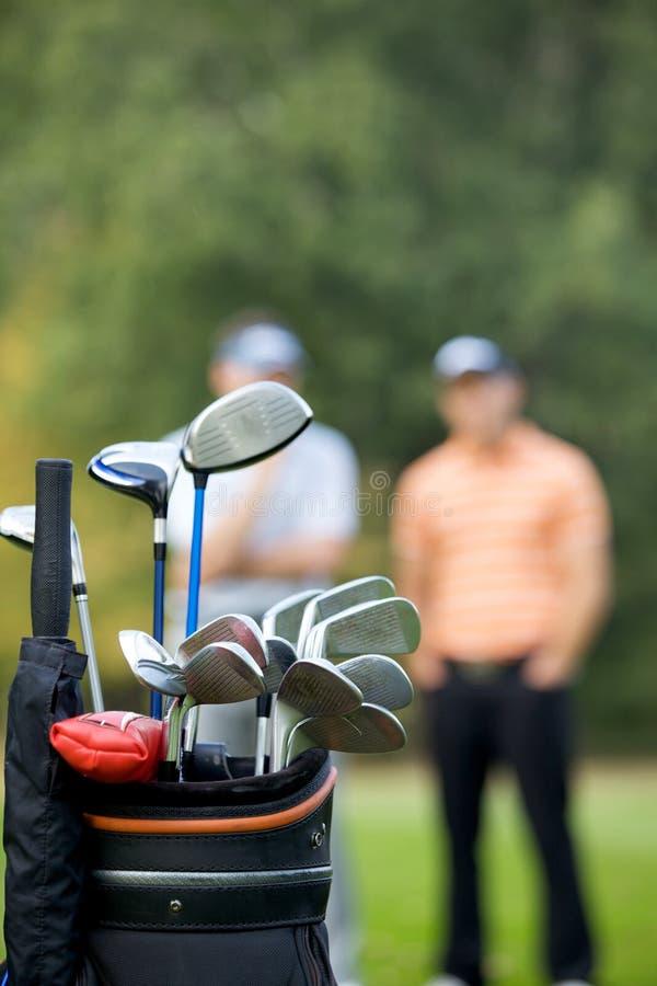 Γκολφ κλαμπ στην τσάντα στο γήπεδο του γκολφ στοκ εικόνα με δικαίωμα ελεύθερης χρήσης