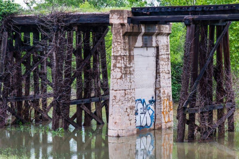 Γκράφιτι στο τρίποδο στοκ φωτογραφίες με δικαίωμα ελεύθερης χρήσης