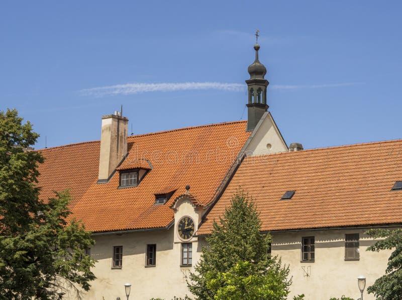 Γκρίζα Friar μονή στο κέντρο της Πράγας στοκ εικόνες