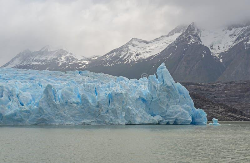 Γκρίζος παγετώνας στην υδρονέφωση, Παταγωνία, Χιλή στοκ εικόνες