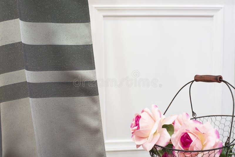 Γκρίζο δείγμα υφάσματος κουρτινών Κουρτίνες, ταπετσαρία του Tulle και επίπλων στοκ εικόνα με δικαίωμα ελεύθερης χρήσης