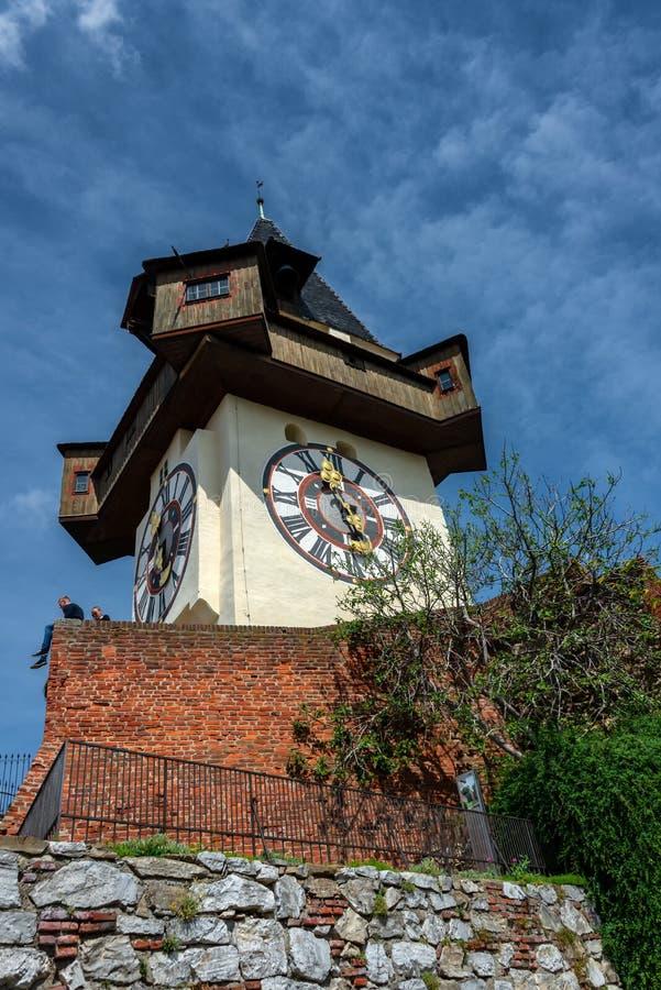 Γκραζ, Αυστρία Το Hill Schlossberg - του Castle με τον πύργο ρολογιών Uhrturm στοκ εικόνα