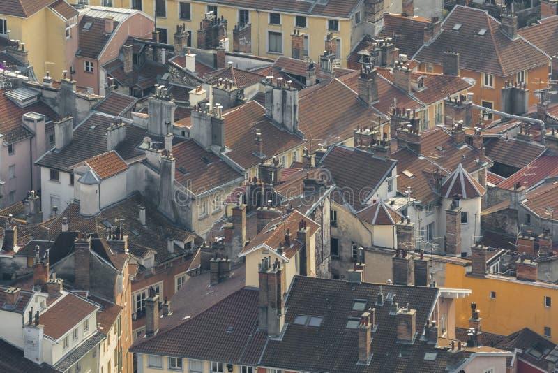 Γκρενόμπλ, Γαλλία, τον Ιανουάριο του 2019: Εναέρια rooves στο ιστορικό μέρος της πόλης στοκ εικόνες