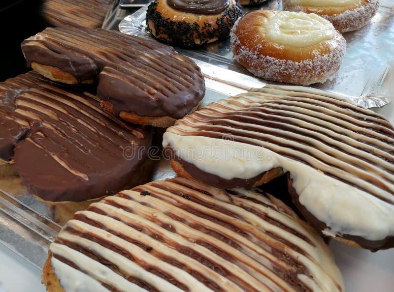Γλυκοί φοίνικες και κοχύλια στο αρτοποιείο στοκ φωτογραφίες με δικαίωμα ελεύθερης χρήσης
