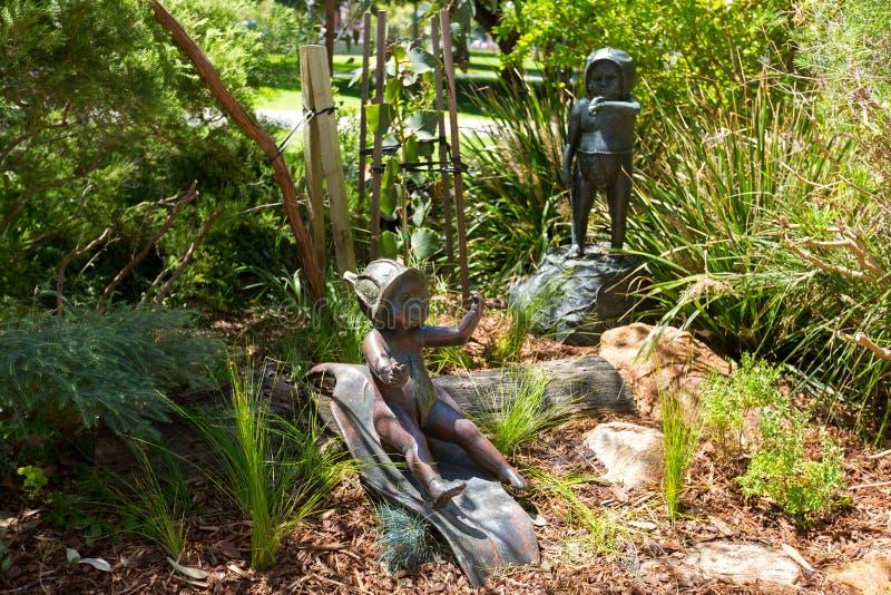 Γλυπτά των μωρών Gumnut στους κήπους Stirling στο Περθ, Austra στοκ φωτογραφία με δικαίωμα ελεύθερης χρήσης