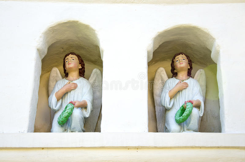 Γλυπτό δύο εκλεκτής ποιότητας αγγέλων στοκ φωτογραφία με δικαίωμα ελεύθερης χρήσης