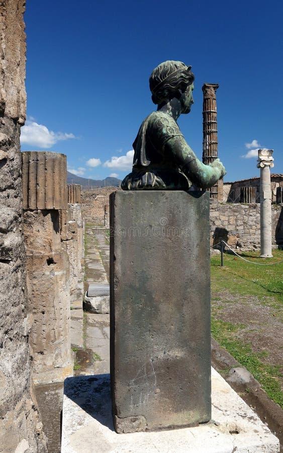 Γλυπτό μιας γυναίκας στην αρχαία Πομπηία στοκ εικόνες με δικαίωμα ελεύθερης χρήσης