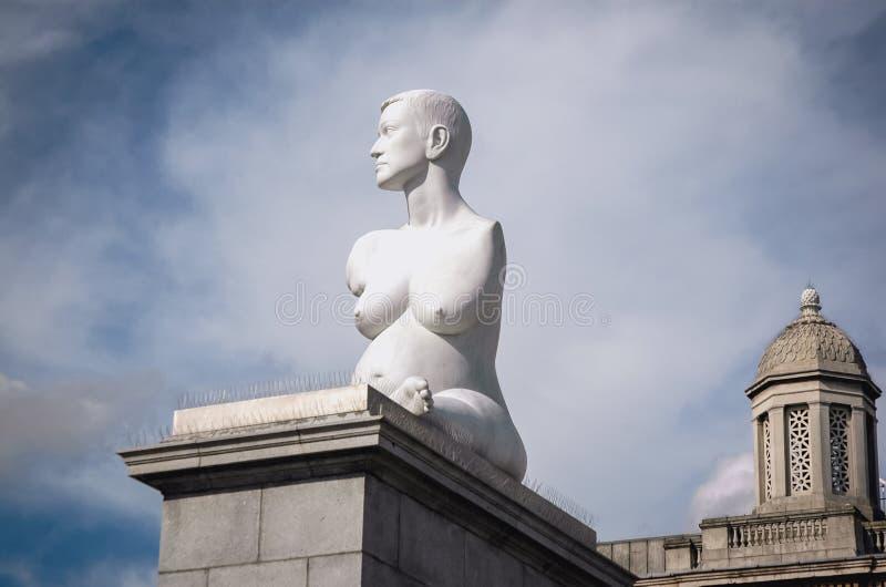Γλυπτό στο Λονδίνο στοκ εικόνα με δικαίωμα ελεύθερης χρήσης