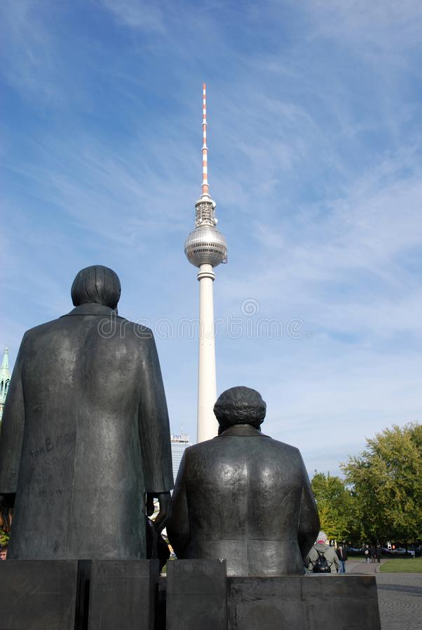 Γλυπτό χαλκού Marx και του Engels στοκ φωτογραφία με δικαίωμα ελεύθερης χρήσης