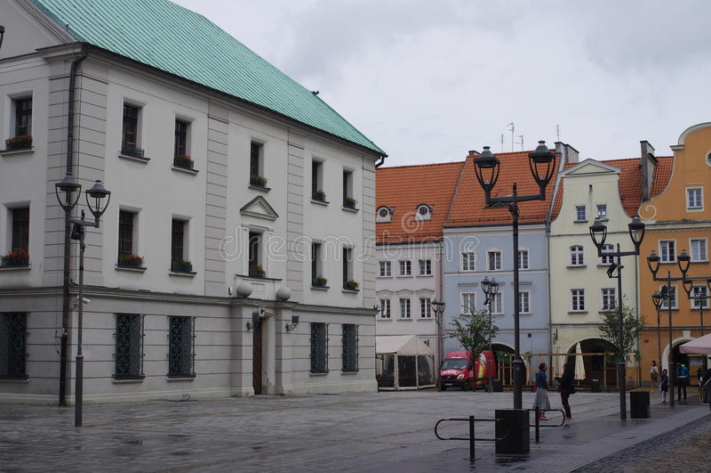 Γοητεία της παλαιάς πλατείας της πόλης στοκ εικόνες