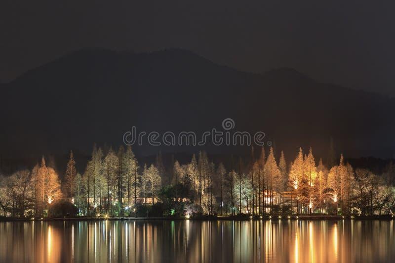 Γοητευτικός φωτισμός στη δυτική λίμνη, Hangzhou, Κίνα στοκ φωτογραφία