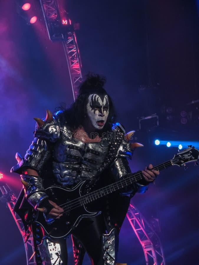 Γονίδιο Simmons, Bassist για το φιλί ορχήστρας ροκ στοκ εικόνα