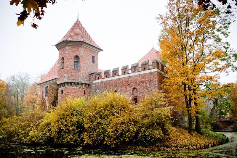 γοτθικό oporow Πολωνία κάστρων στοκ φωτογραφίες