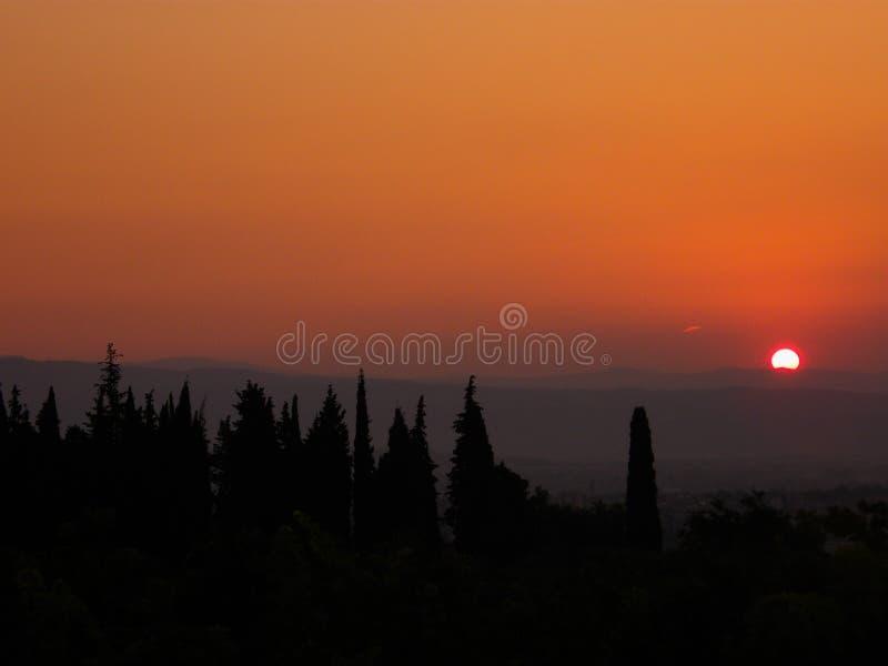 Γούρνα ανατολής τα βουνά στοκ φωτογραφία με δικαίωμα ελεύθερης χρήσης