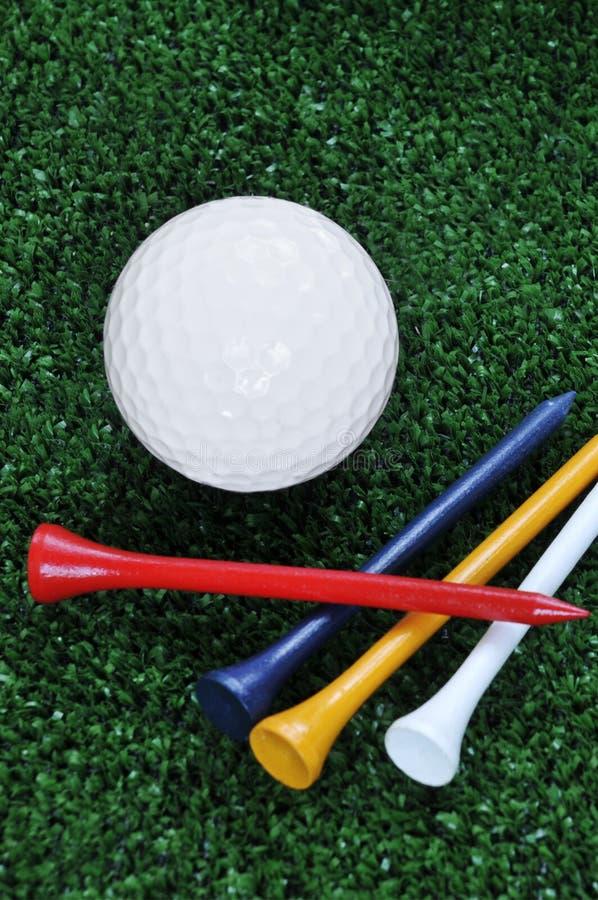 γράμματα Τ γκολφ σφαιρών στοκ εικόνα με δικαίωμα ελεύθερης χρήσης