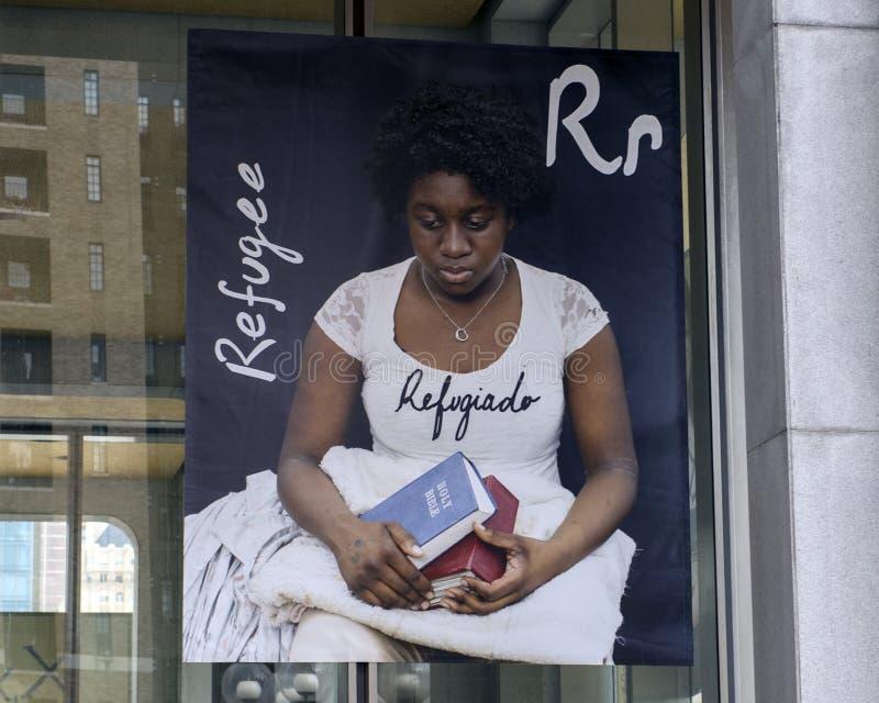 Γράμμα Ρ για τον πρόσφυγα, βινυλίου έμβλημα, που έχουν μεταναστεύσει πρόγραμμα αλφάβητου, Φιλαδέλφεια στοκ φωτογραφία