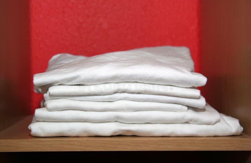γράμμα Τ πουκάμισων στοκ φωτογραφία με δικαίωμα ελεύθερης χρήσης