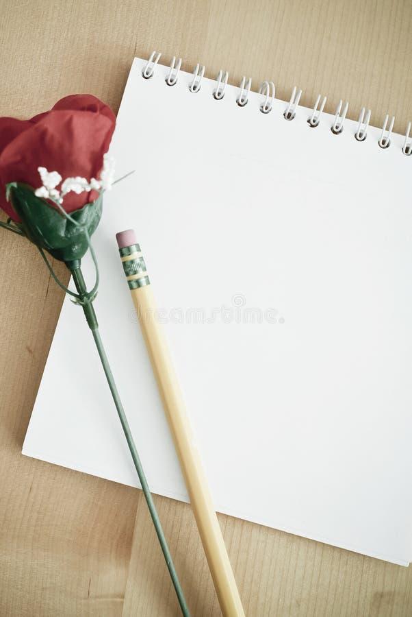 γράψιμο σημειώσεων αγάπης στοκ φωτογραφία με δικαίωμα ελεύθερης χρήσης
