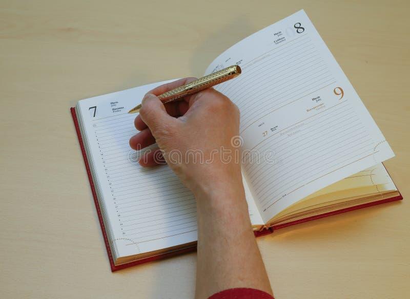 Γράψτε με ένα καθαρό φύλλο στοκ φωτογραφία με δικαίωμα ελεύθερης χρήσης