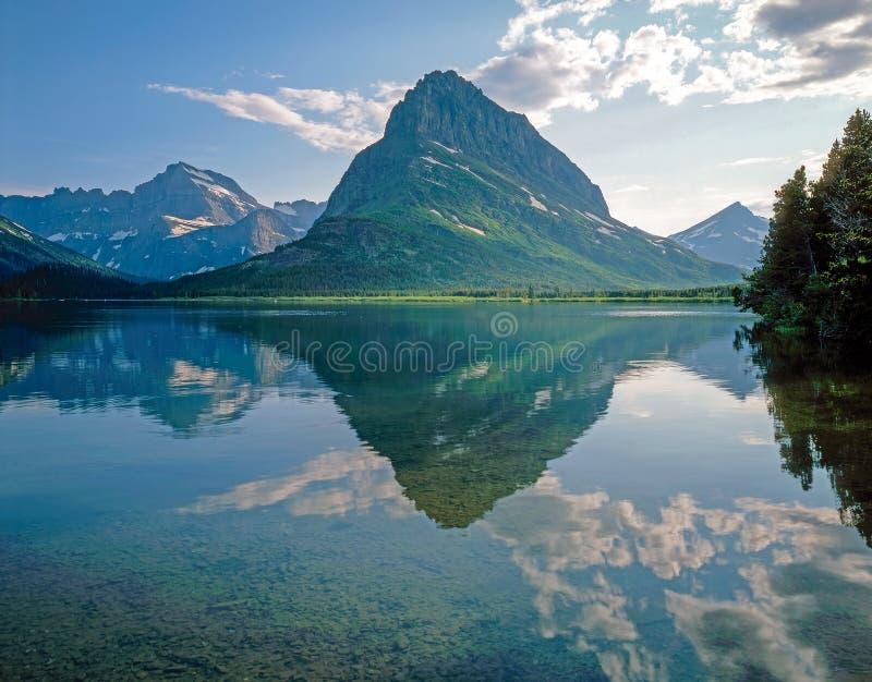 Γρήγορη τρέχουσα λίμνη, Μοντάνα στοκ εικόνα