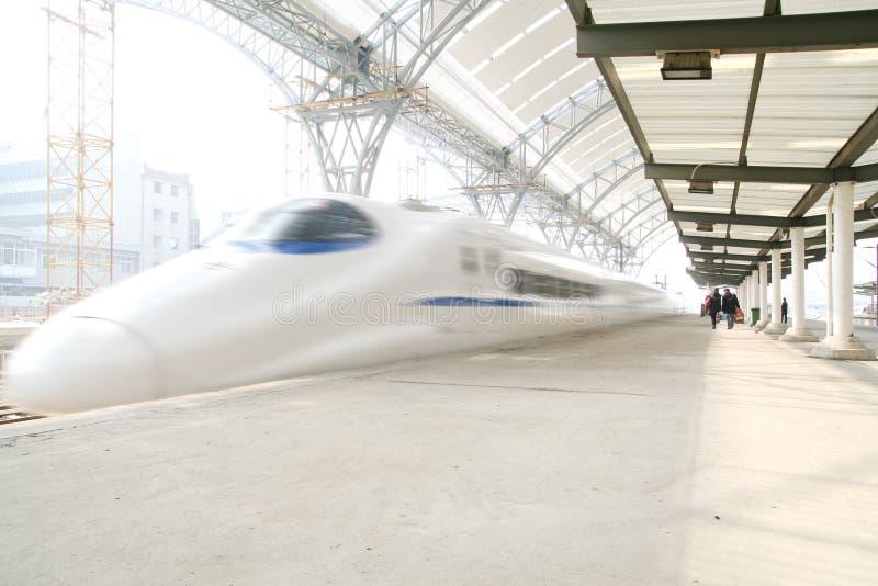 γρήγορο τραίνο κινήσεων στοκ εικόνα με δικαίωμα ελεύθερης χρήσης