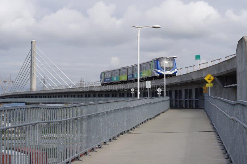 Γραμμή διέλευσης Skytrain γραμμών του Καναδά στοκ φωτογραφίες με δικαίωμα ελεύθερης χρήσης