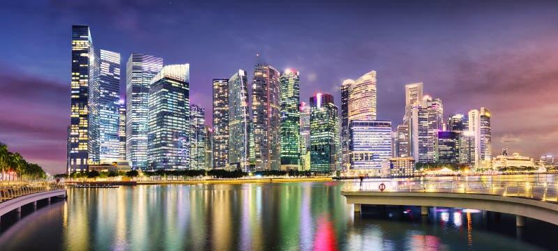 Γραμμή ουρανού πανοραμικού της Σιγκαπούρης στο ηλιοβασίλεμα, Μαρίνα στοκ φωτογραφίες με δικαίωμα ελεύθερης χρήσης