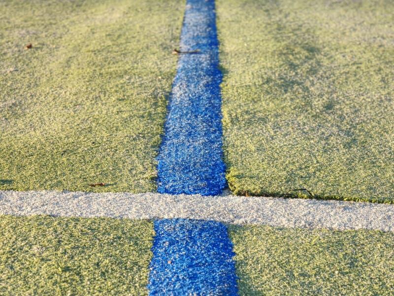 Γραμμή συνόρων στο αγωνιστικό χώρο χάντμπολ Ο υπαίθριος τάπητας χάντμπολ στοκ εικόνα με δικαίωμα ελεύθερης χρήσης