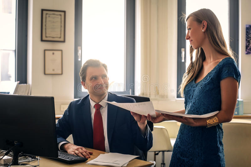 Γραμματέας στην εργασία στοκ εικόνα με δικαίωμα ελεύθερης χρήσης
