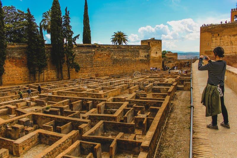 Γρανάδα, Ισπανία - 5/6/18: Αρχαίες παλαιές μαυριτανικές/μουσουλμανικές καταστροφές Alhambra στοκ φωτογραφίες